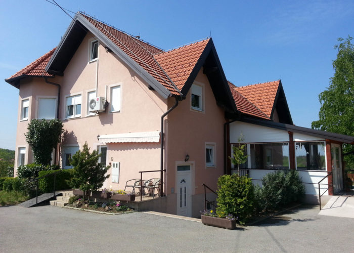 Kraljev vrh - Assisted living