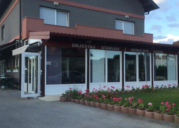 BEZ LIMITA - Obiteljski dom za starije