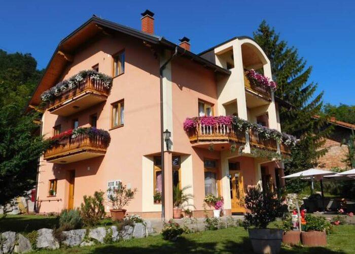 IVIĆ - Obiteljski dom za starije