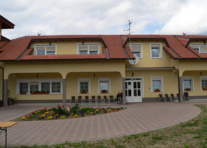 JEDNO SRCE - Care home