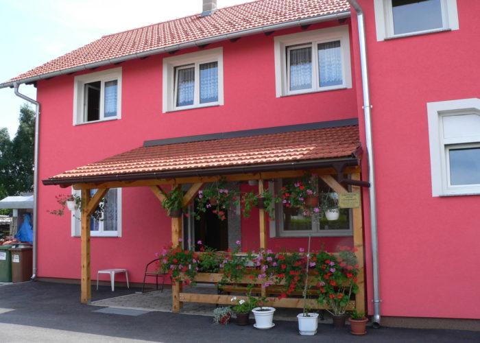 JOZIPOVIĆ - Obiteljski dom za starije