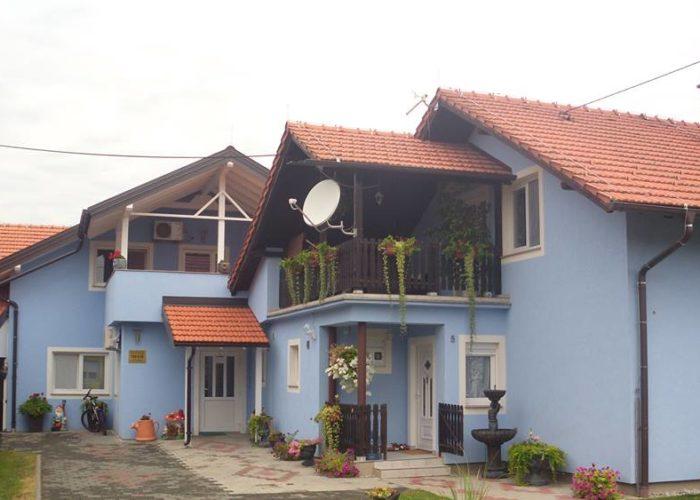 PRO VITA - obiteljski dom za starije