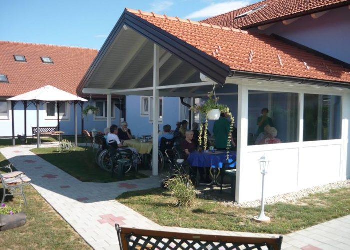 Obiteljski dom za starije PRO VITA