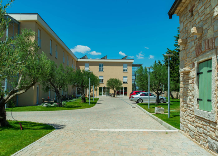 IVAN PAVAO II - Dom za starije