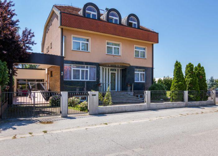 Obiteljski dom Sv. L. Mandić, Zagreb