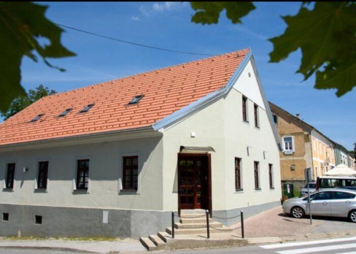 BEŠKER - Obiteljski dom za starije